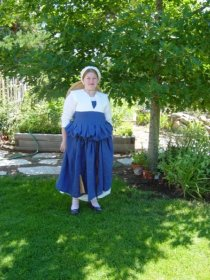 2004 or 2005 - my first 16th century dress ever. It was linen. It had metal grommets.